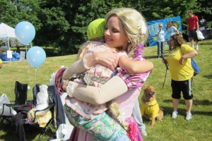 Rapunzel hugs