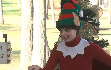 """Elf on the Shelf"" Comes to Life in Fargo"